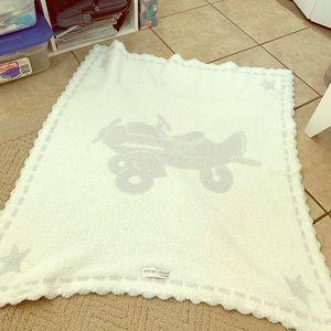 Barefoot dreams airplane blanket